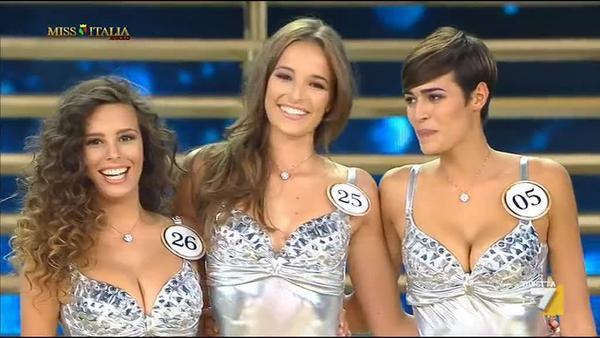 Da 9 a 3  i nomi delle tre finaliste al titolo della 76a Edizione di Miss  Italia e490d6a755bc