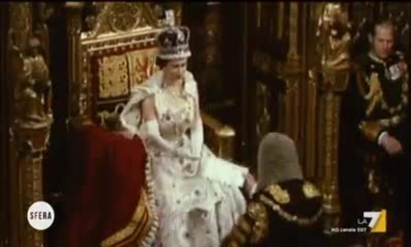 Sfera - Elisabetta II una vita da sovrana