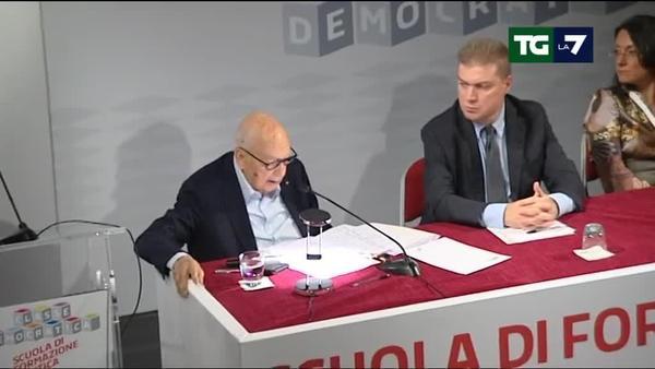 Anche Napolitano torna in campo per il 'Sì': proteste dal fronte opposto