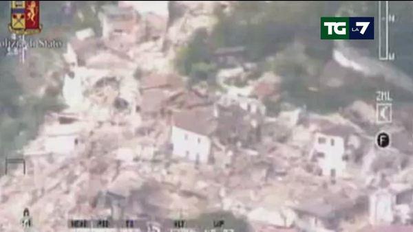 Le immagini aeree dei paesi colpiti dal sisma