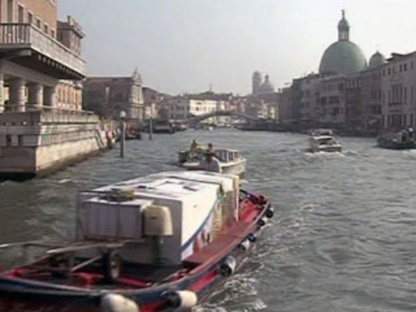 TG La7 - video - 24/08/2011 : VENEZIA, ARRIVA IN GONDOLA LA TASSA DI ...