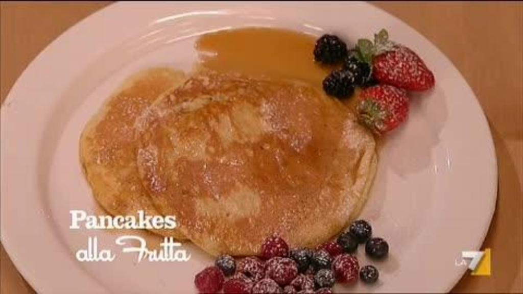 Ricetta Pancake Di Benedetta.Pancakes Alla Frutta Di Benedetta Parodi Imenudibenedetta La7 It