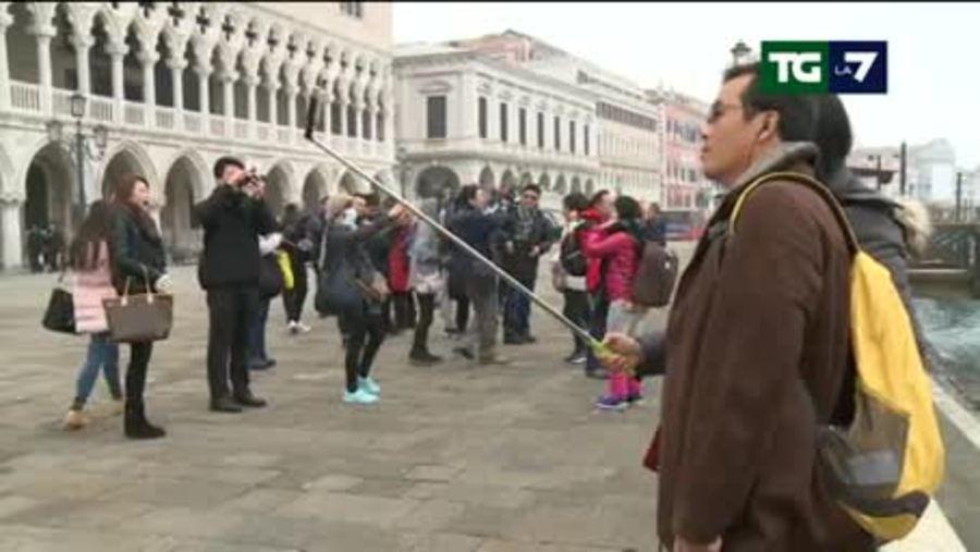 Turisti giornalieri a Venezia: pagheranno un ticket sino a ...
